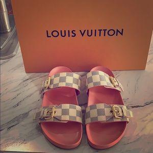 LOUIS VUITTON SANDLE BRAND NEW !!!